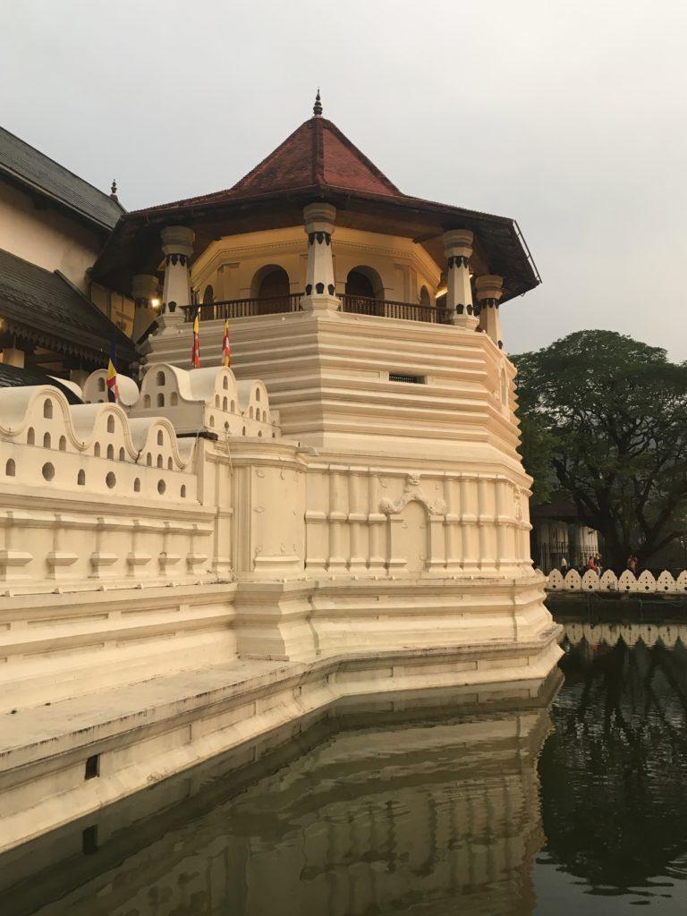 Heiliger Tempel für Buddhisten in Sri Lanka Kandy