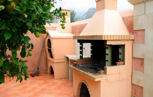Griechenland - CRETE - Melidoni - Villa Melidoni - Outside area with oven and grill