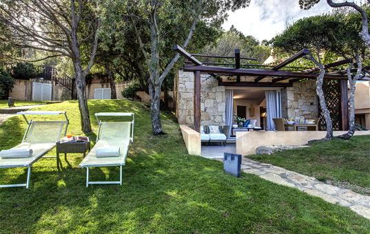 Italien - SARDINIA - Baja Sardinia - Villa Gardenia - Garden of villa near beach Sardegna