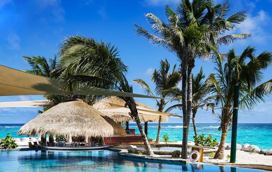 Karibik - Necker Island - Necker Island - beach pool in necker island caribbean