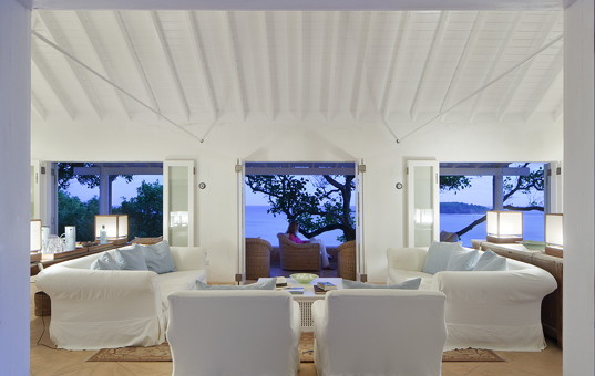 Karibik - Mustique - Simplicity - living room view of villa in Mustique
