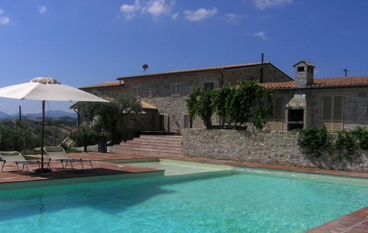 <a href='/holiday-villa/italy.html'>ITALY</a> - <a href='/holiday-villa/italy/umbria.html'>UMBRIA</a>  - Castel Ritaldi - Casa di Vento - modern design villa overlooking olive groves und vineyards
