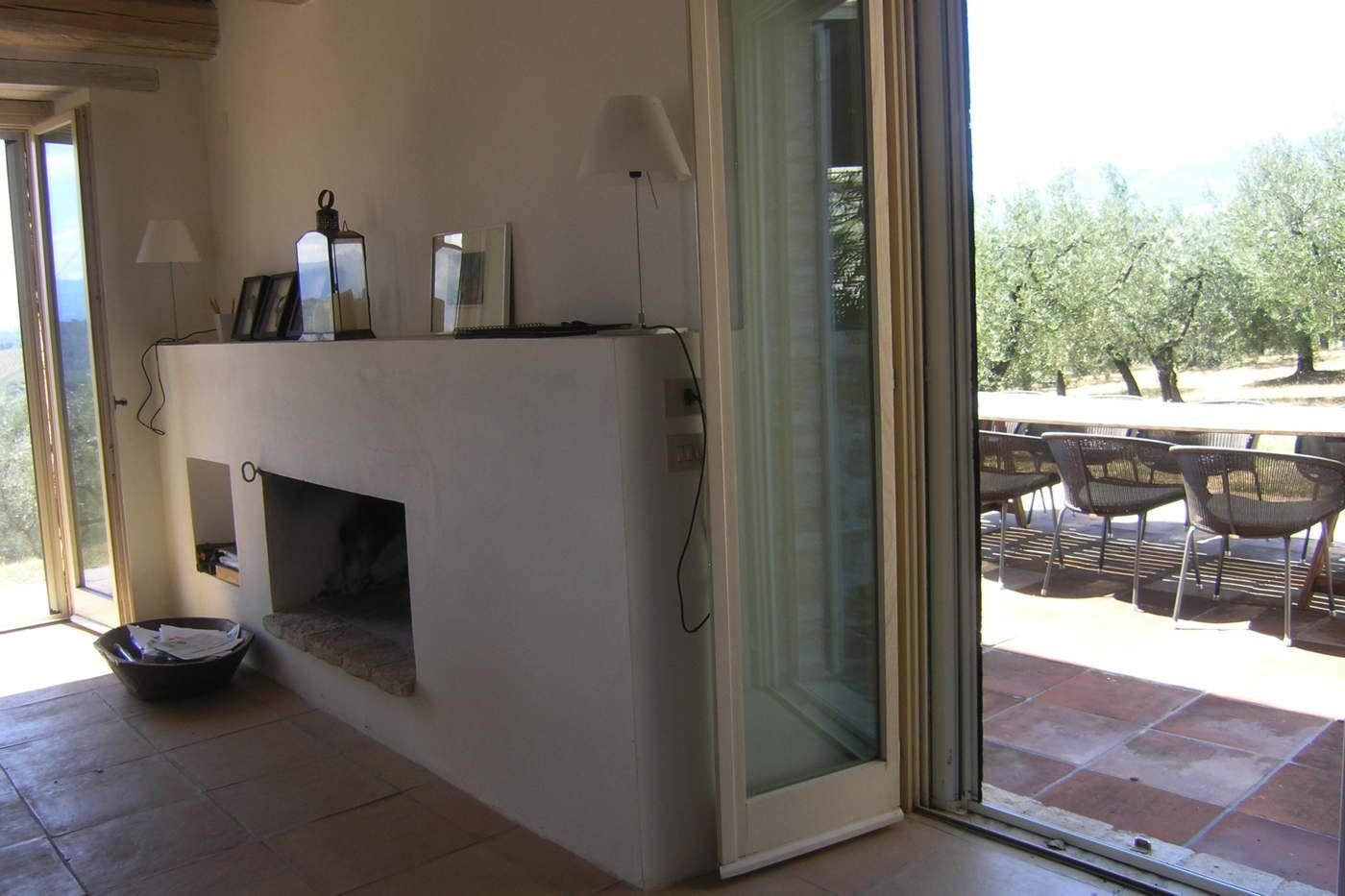 Ferienhaus italien mieten ferienvilla mit pool landhaus for Design hotel umbrien