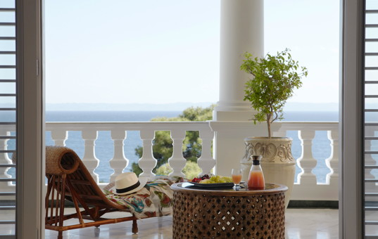 Griechenland - HALKIDIKI - Nikiti - Danai Beach Villas - Balcony with lounger and seaview