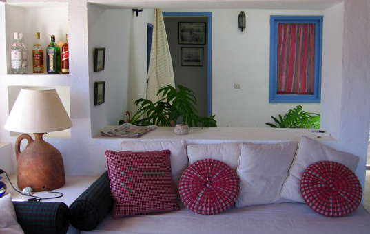 holiday villa rental in Spain self Spain Canary Islands La Graciosa Pedro Barba Casa Pedro