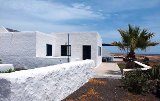 holiday villa by the sea self Spain Canary Islands La Graciosa Pedro Barba Casa Pedro