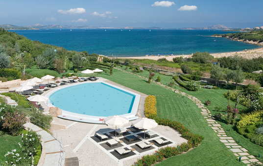 Italien - SARDINIA - Baja Sardinia - L'Ea Bianca Luxury Resort - Hotel resort at the beach with pool Sardinia