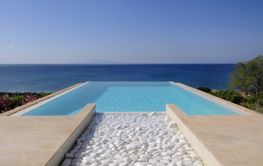 <a href='/holiday-villa/greece.html'>GREECE</a> - <a href='/holiday-villa/greece/cyclades.html'>CYCLADES</a>  - <a href='/holiday-villa/greece/paros.html'>PAROS</a> - Aliki - Makria Miti West -