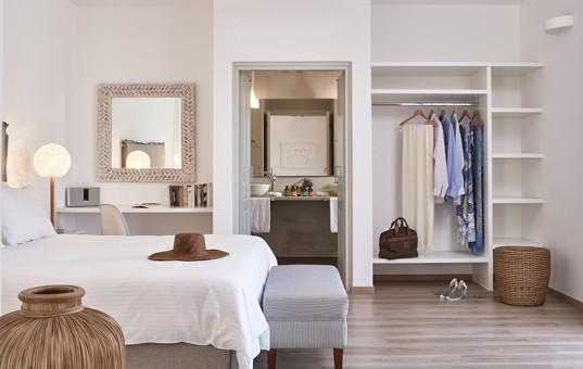 Griechenland - CYCLADES - PAROS - Parasporos Bay - Yria Hotel Resort -