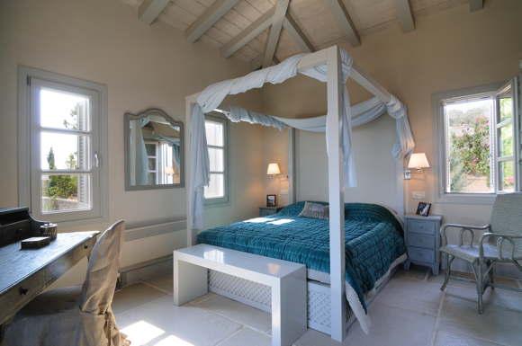 rent luxury villa in greece