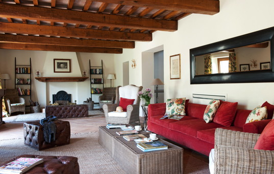 Italien - UMBRIA - San Savino di Murlo - Villa Caminata - living room with fireplace