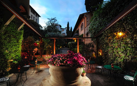 Italien - TUSCANY - Florenz - Hotel Monna Lisa - patio of a charming hotel in florence