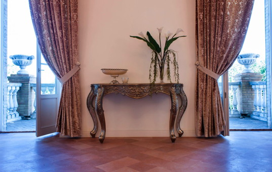 Italien - MARCHE - Tolentino - Villa Nena - Luxurious furnished room with two doors leading to the balcony