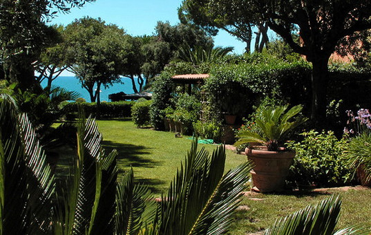 Italien - TUSCANY - Fonteblanda - Villa Lantana - beautiful garden of a traditional beach villa in tuscany