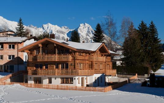 Österreich - Tirol  - Arlberg - Sankt Anton - Penthouse Arlberg - Ski Chalet in Schneelandschaft