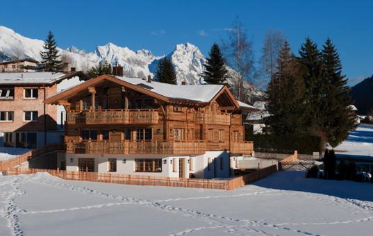 Österreich - Tirol  - Arlberg - Sankt Anton - Apartment Arlberg 1 - Ski Chalet in Schneelandschaft
