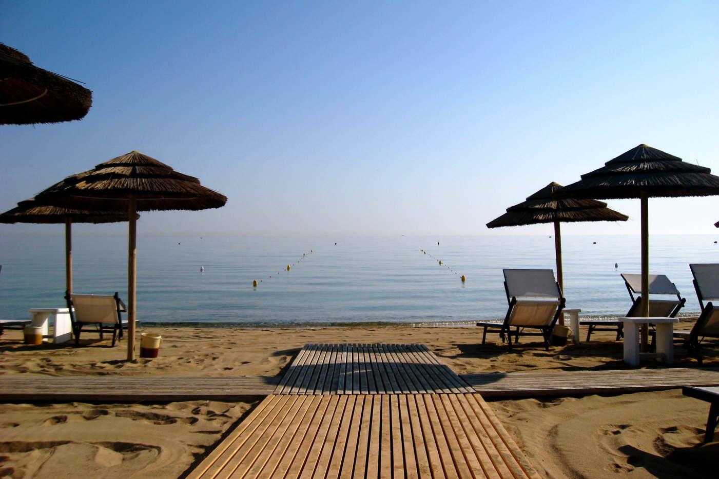 Torre Maizza Beach Club