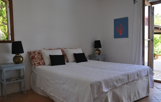 Italien - SARDINIA - Porto Cervo - Casa La Roccia - bedroom with access to the terrace