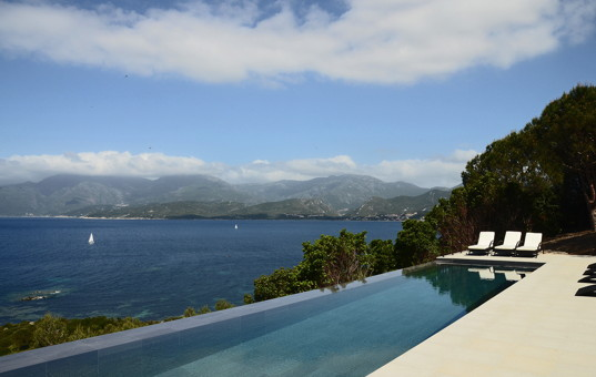 Frankreich - CORSICA - Saint Florent - Villa Florence - Stretched infinity pool with sea view and view of the mountains
