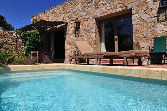poolvilla with service Corsica