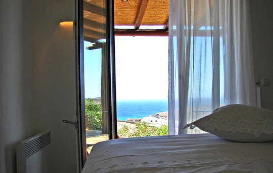 Griechenland - CYCLADES - MYKONOS - Kalafati - Studio Penelope - Double bedroom with sea view