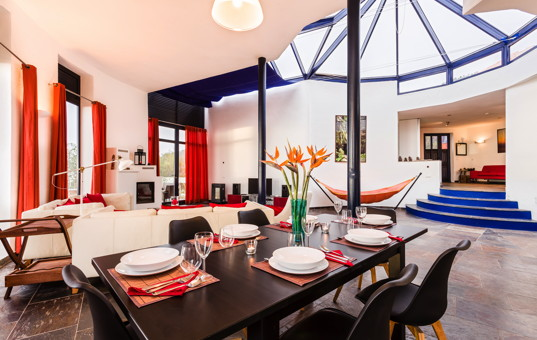 Spanien - CANARY ISLANDS - LA PALMA - Tijarafe - Casa Corona - Modern and open dining and living area