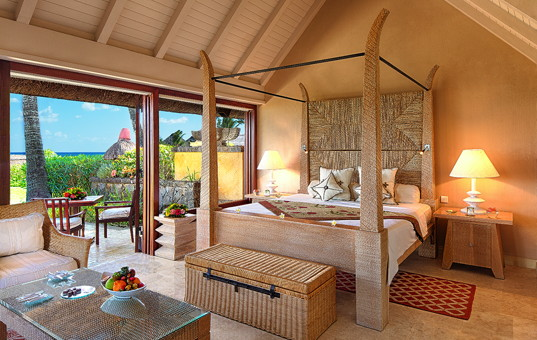 Indischer Ozean - MAURITIUS - Westküste, Baie aux Tortues - The Oberoi, Mauritius - Luxurious double bedroom