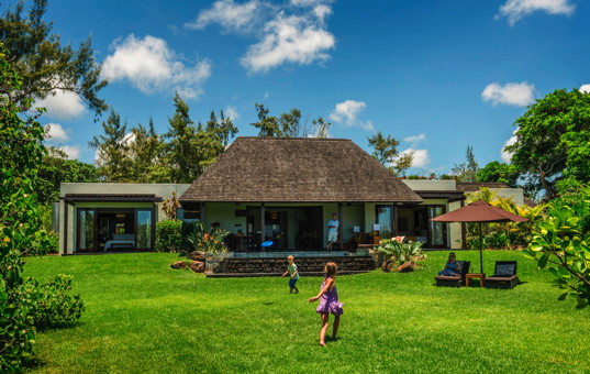 Indischer Ozean - MAURITIUS - Ostküste, Beau Champ - Four Seasons Residences Mauritius - Luxurious Residence with large garden and pool