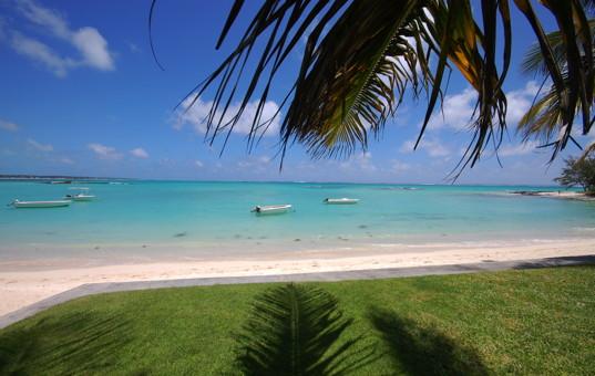 Indischer Ozean - MAURITIUS - Ostküste, Belle Mare - Villa Allamanda & Villa Jacaranda - Garden with sea view