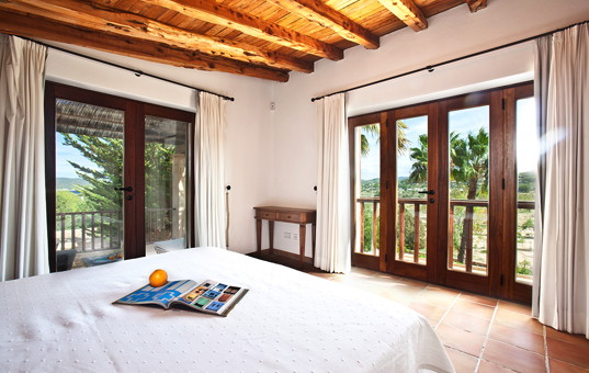 Spanien - BALEARIC ISLANDS - IBIZA - San Antonio - Finca Can Rafalito - sleeping room with nice view