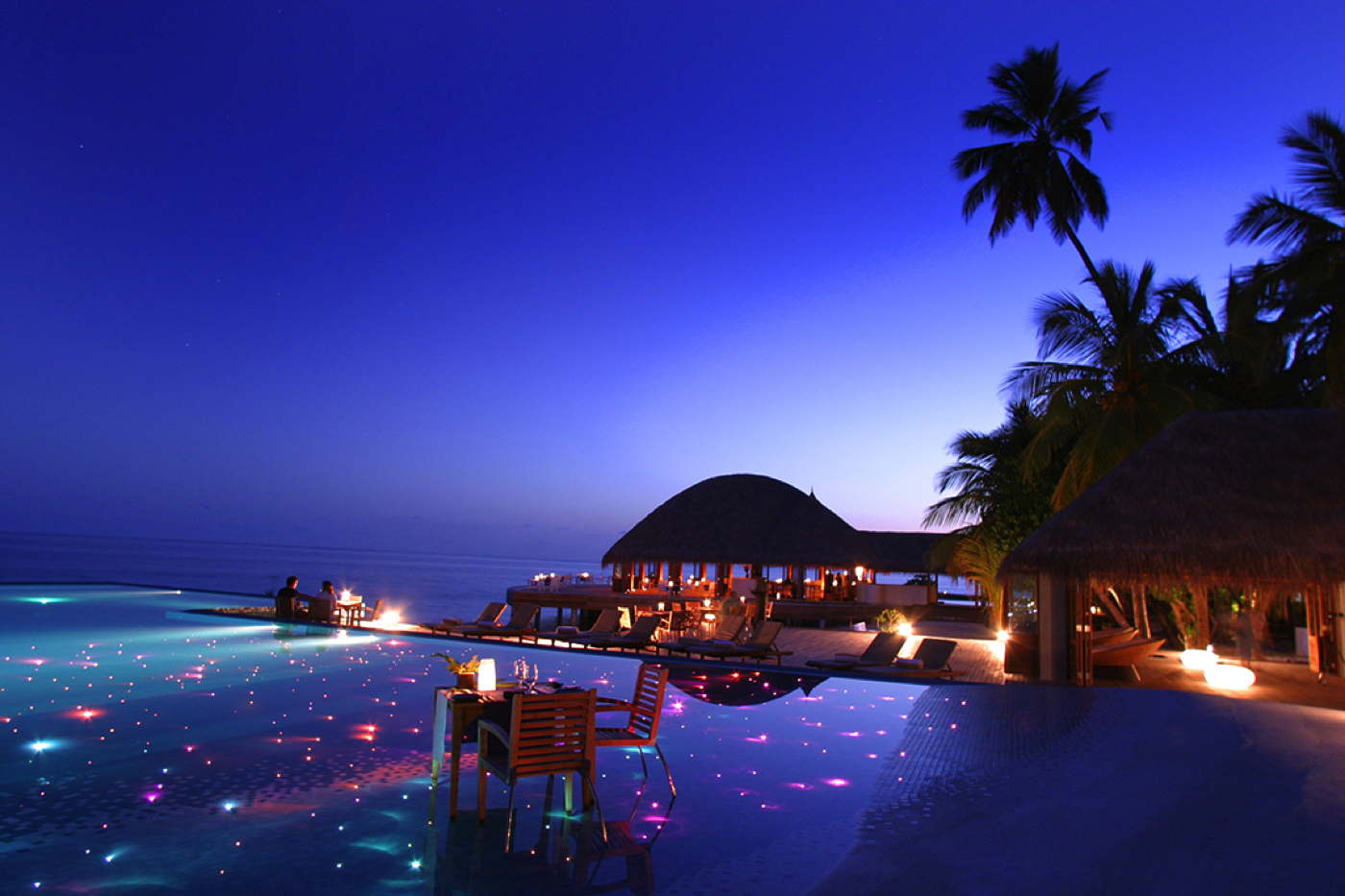 Beach and ocean houses in luxury resort maldives domizile for Small luxury beach hotels
