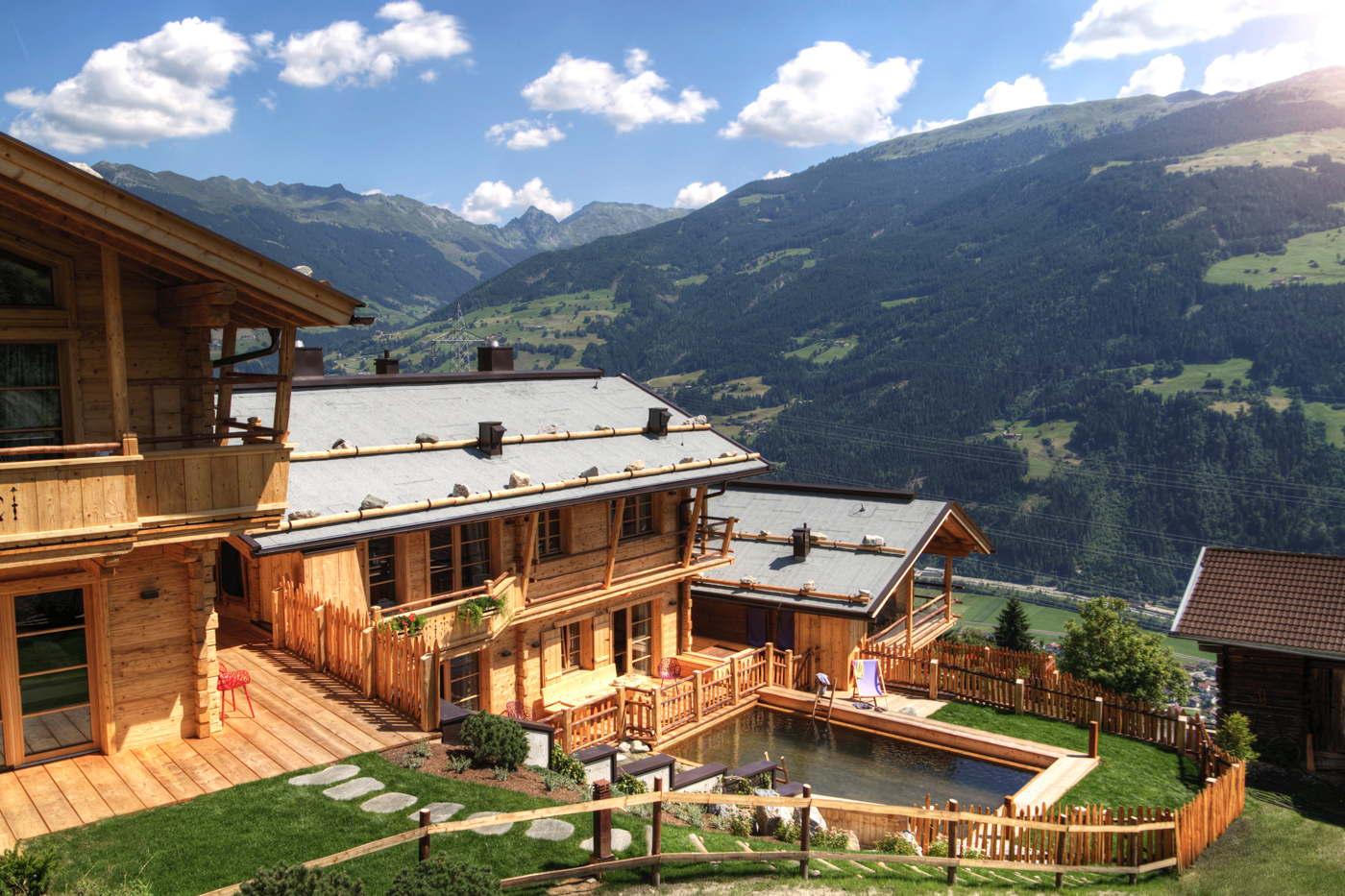 chalet skichalet skiin skiout in zillertal book with. Black Bedroom Furniture Sets. Home Design Ideas