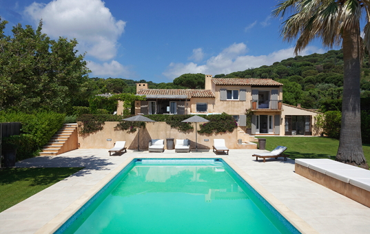 Frankreich - COTE D'AZUR - L'Escalet - Villa Escalet - Spacious holiday villa with loungers at the pool