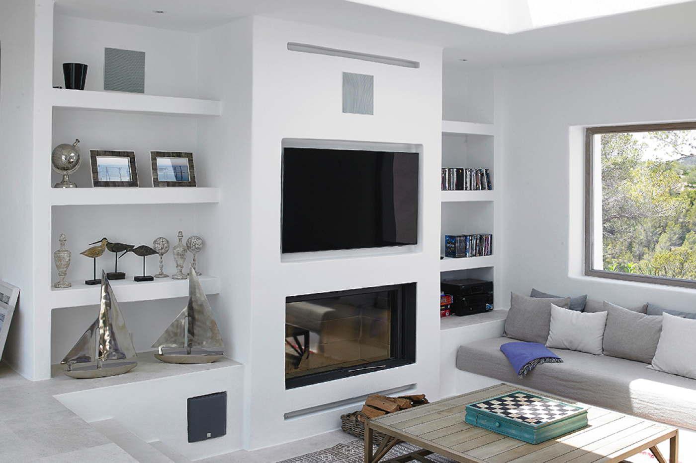 Luxusvilla designvilla auf ibiza mieten bei domizile reisen - Muebles de salon con chimenea integrada ...