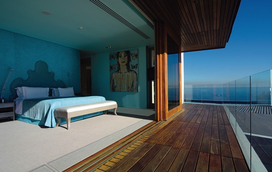 Afrika - SOUTH AFRICA - CAPE REGION - Cape Town - Ellerman House Villa One - Open bedroom with balcony