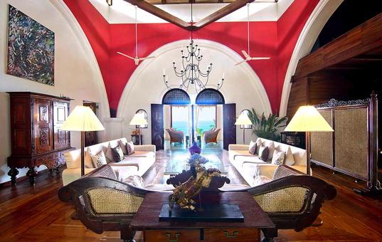 Indischer Ozean - SRI LANKA - Mirissa - Villa Pointe Sud - kolonial styl dining room