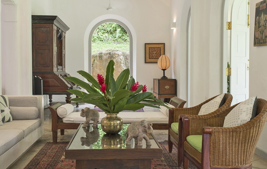 Indischer Ozean - SRI LANKA - Koggala - Villa Pooja Kanda - living room villa pooja kanda sri lanka