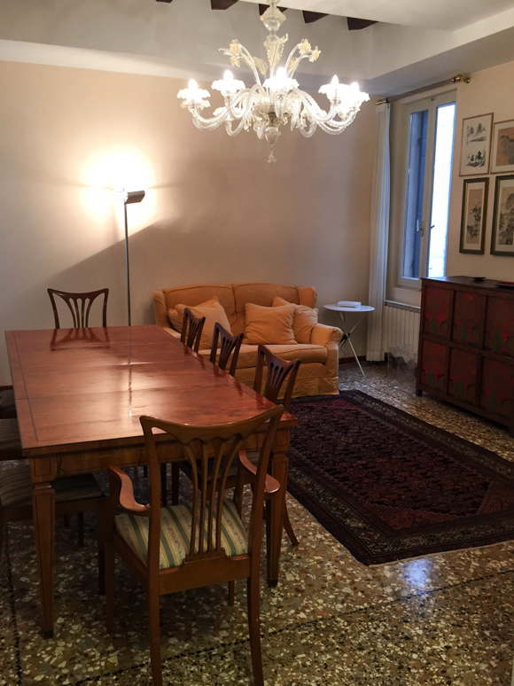 venezian dining room