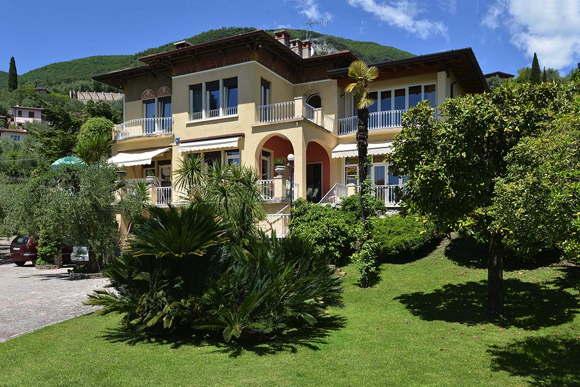 Villa Vista Lago