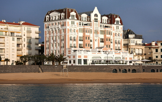 Frankreich - AQUITAINE - Saint-Jean-de-Luz - Grand Hotel Jean Luz - hotel directly at Atlantic beach