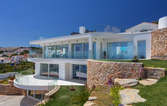 ferienvilla algarve portugal mit pool luxusurlaub am meer. Black Bedroom Furniture Sets. Home Design Ideas
