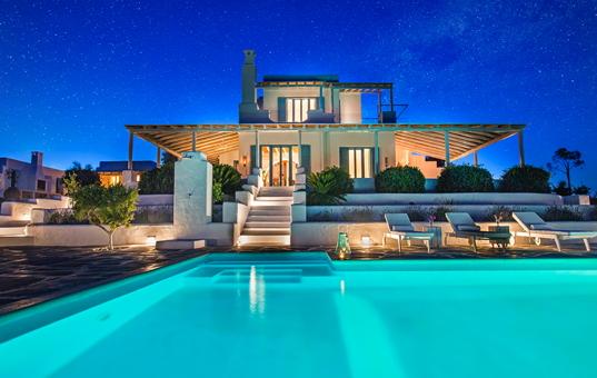 Ferienvilla Griechenland mieten mit Pool und am Meer