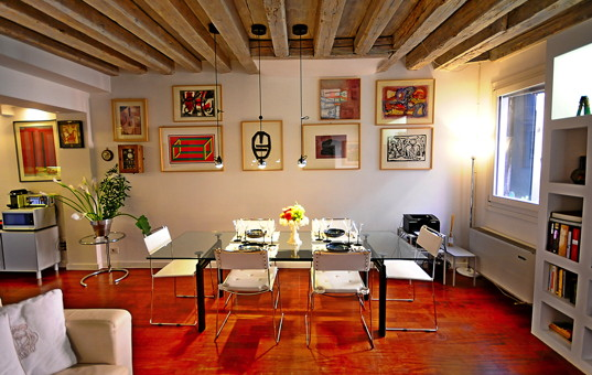 Italien - VENETO - Venedig - Apartment Ca Foscari - Dining room Venice apartment with contemporary art pieces