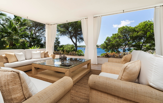 Spanien - BALEARIC ISLANDS - MAJORCA - Porto Pedro - Villa La Preciosa - outstanding terrace with sea
