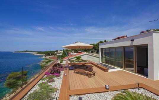 ferienvilla kroatien am meer mit pool luxusurlaub bei. Black Bedroom Furniture Sets. Home Design Ideas