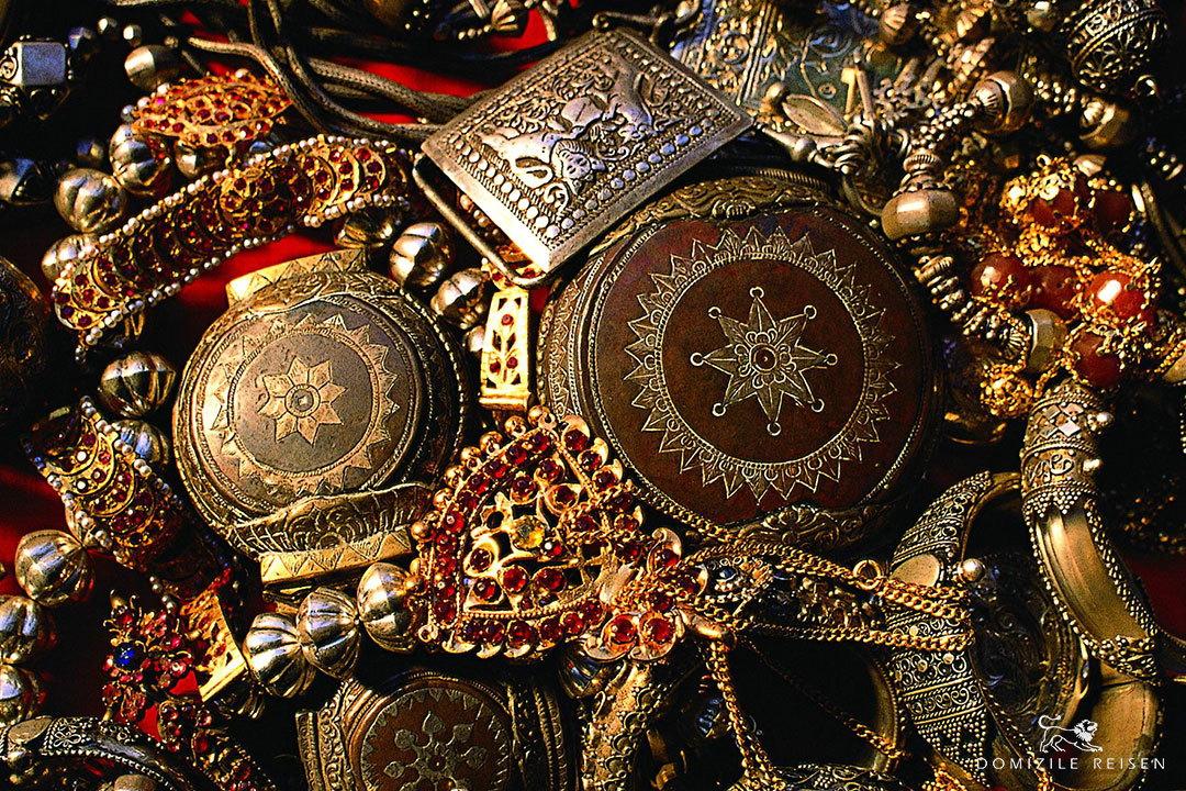Kandyan jewelry