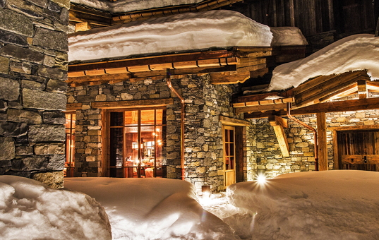 Frankreich - ALPS - Val d'Isère - Chalet Sequoia - exclusive ski chalet with service in Val d'Isère at night