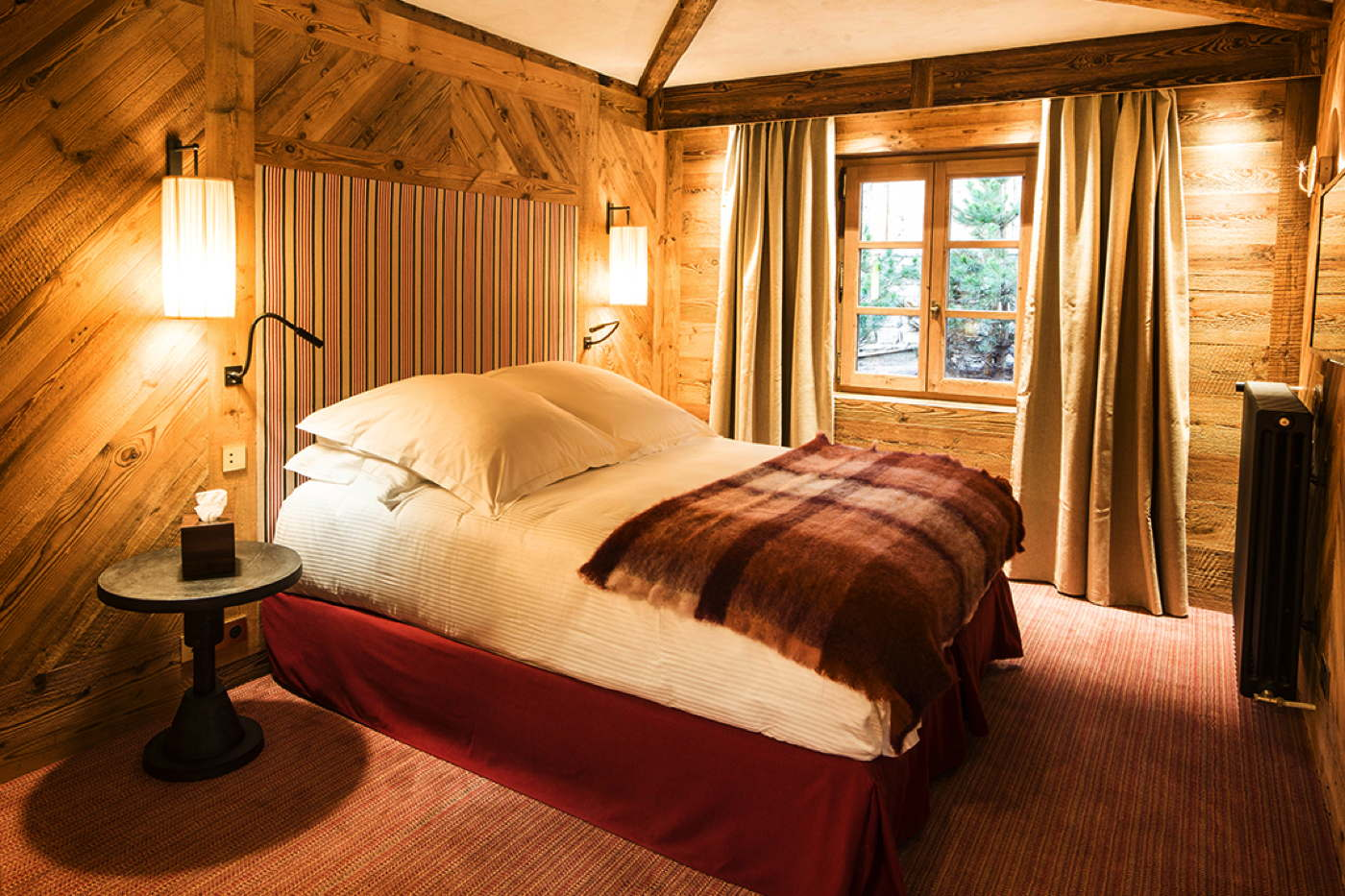 luxury ski chalet val d 39 is re pool spa service chef french alps. Black Bedroom Furniture Sets. Home Design Ideas