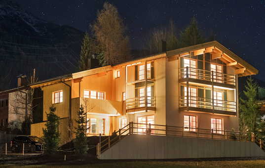 Österreich - TYROL - ARLBERG - St. Anton - Chalet Griffin - spacious luxury ski chalet with spa