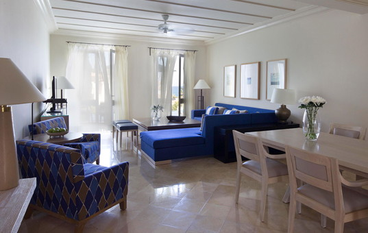 Zypern - Neo Chorio - Andromeda Deluxe Villa - modern decorated living room and dining area